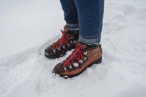 Best hiking shoes for women on snow